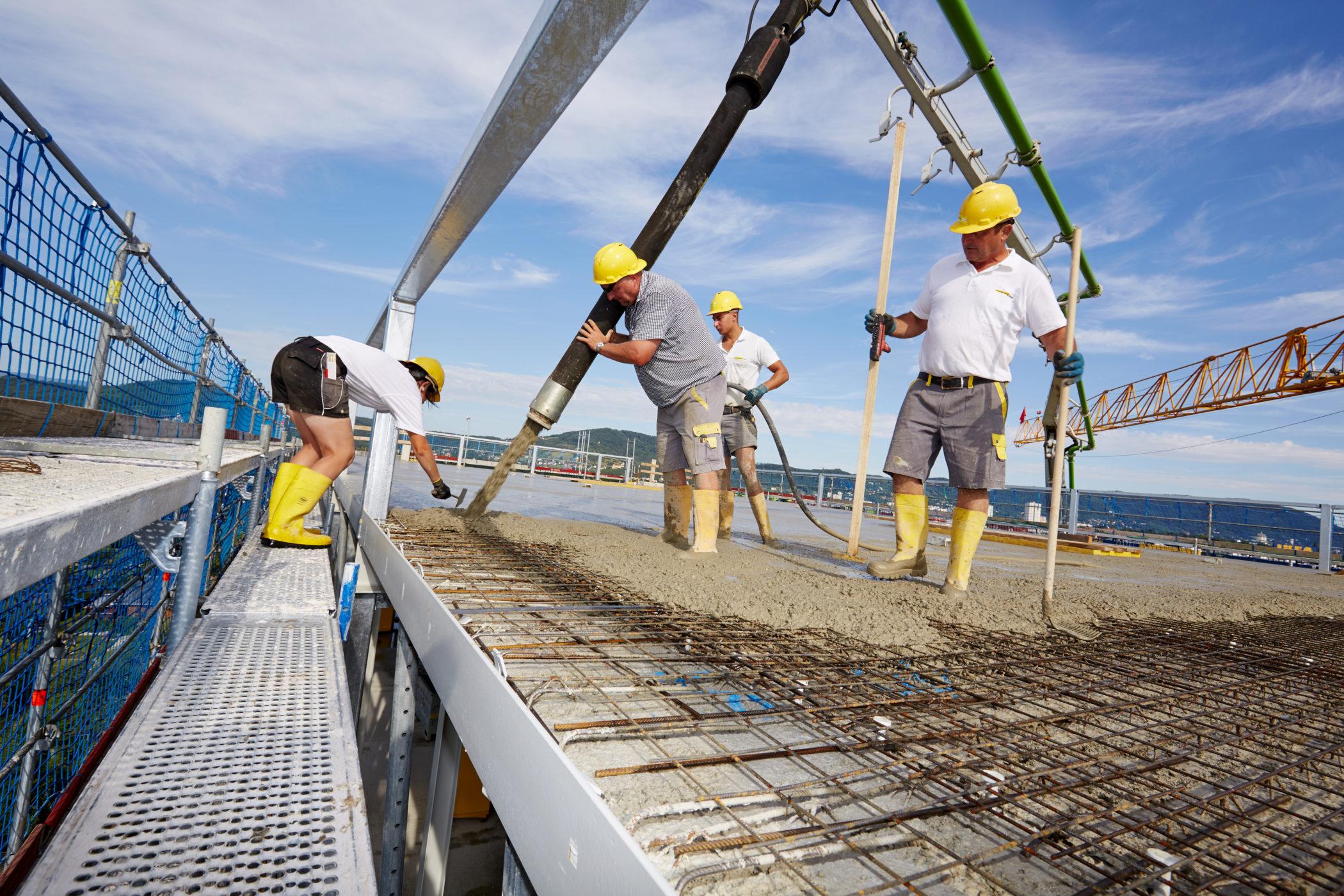 Pongratz Bau, Bauarbeiter, betonieren,